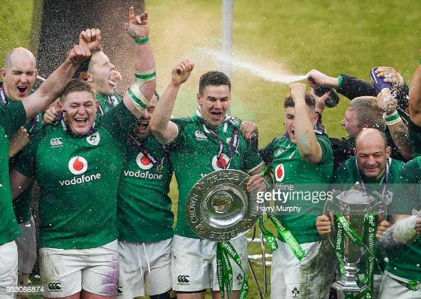 London United Kingdom 17 March 2018 Ireland players from left Devin Toner Tadhg Furlong Jacob Stockdale Cian Healy Jonathan Sexton Jordan Larmour and...