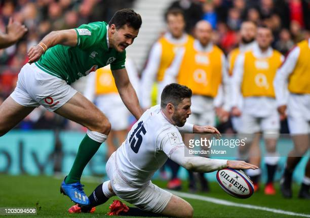 London United Kingdom 23 February 2020 Elliot Daly of England scores his side's second try during the Guinness Six Nations Rugby Championship match...