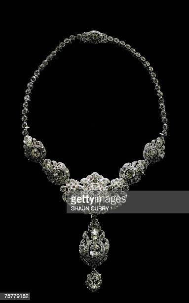 London, UNITED KINGDOM: A 1920s Cartier necklace given to Britain's Queen Elizabeth II on her wedding day 20 November 1947 by the Nizam of Hyderabad...