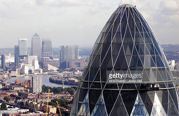 A London office block known as the 'gherkin' is pictured in central London 13 October 2006 The reinsurer SwissRe said Monday 05 February 2007 it was...