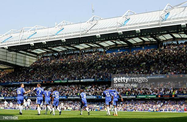 London, UNITED KINGDOM: Chelsea's, from left, John Terry, Andriy Shevchenko, Michael Essien, Shaun Wright-Phillips, Lassana Diarra, Jon Obi Mikel and...