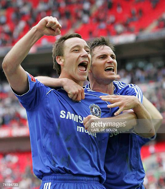 Chelsea's John Terry and Frank Lampard celebrate Cup after Chelsea beat Manchester United 10 at Wembley Stadium in London 19 May 2007 during the FA...