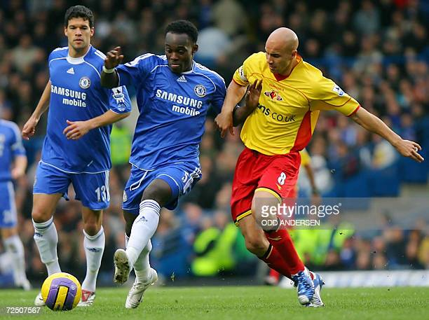 EDS NOTE CORRECTING DATE IN CAPTION Chelsea's Ghanaian midfielder Michael Essien and Chelsea's German midfielder Michael Ballack vie for the ball...