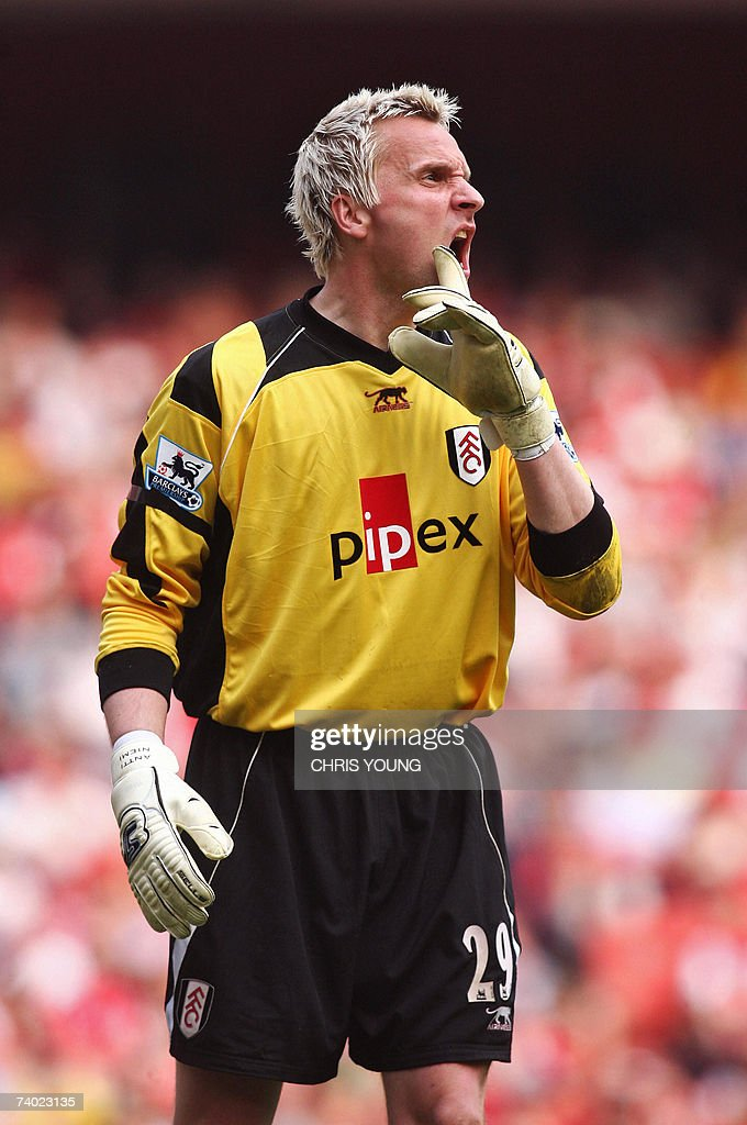 Fulham's Finnish goalkeeper Antti Niemi in action during the English Premiership match between Arsenal and Fulham, at the Emirates Stadium, London , on Sunday 29 April 2007. AFP PHOTO/CHRIS YOUNG Mobile and website uses of domestic English football pictures subject to subscription of a licence with Football Association Premier League (FAPL) tel: +44 207 298 1656. For newspapers where the football content of the printed and electronic versions are identical, no licence is necessary.