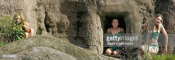 Homo Sapiens London Zoo's newest exhibit are seen in their enclosure in London 25 August 2005 The 4fourday exhibit is highlighting the spread of the...