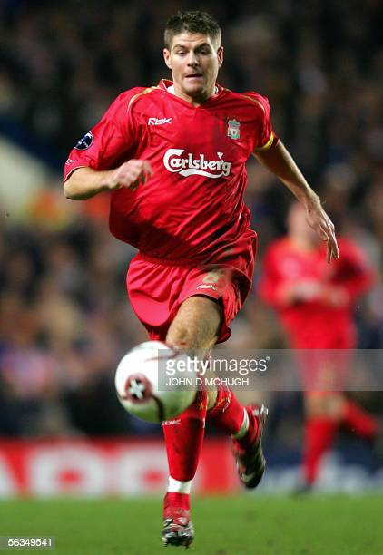 Liverpoool's Captain Steven Gerrard chases the ball during their Champions League game against Chelsea at Stamford Bridge in London 06 December 2005...
