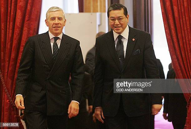 Thai deputy Prime minister Dr Surakiart Sathirathai and British foreign secretary Jack Straw arrive for a meeting at Lancaster house in London 13...
