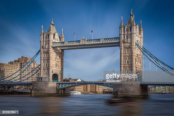 UK, London, view to Tower Bridge and Thames River