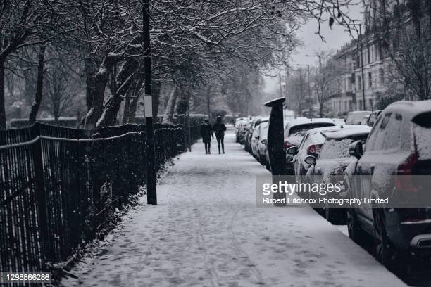 london winter storm - diminishing perspective stock pictures, royalty-free photos & images