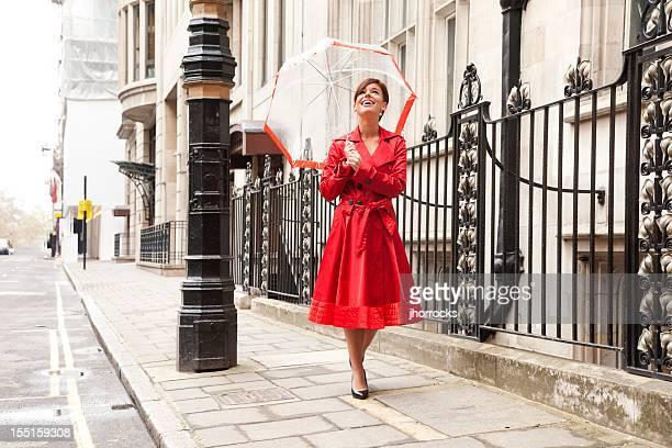 London Frau in Rot