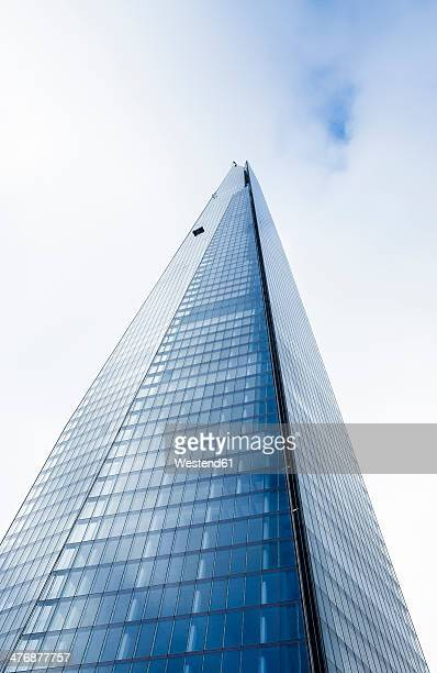 UK, London, worm's-eye view of The Shard