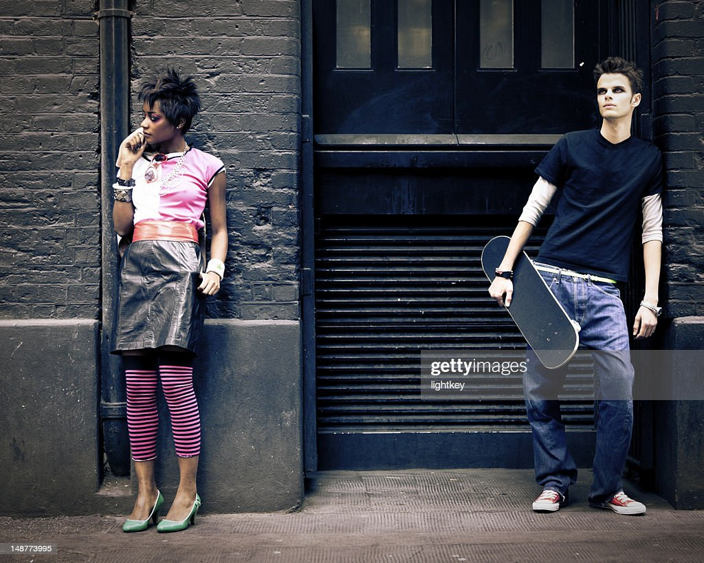 Londoners hanging out : Stockfoto