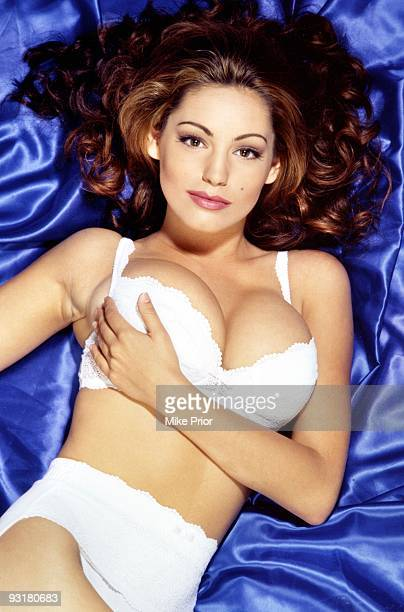 Kelly Brook posed in London in 2000