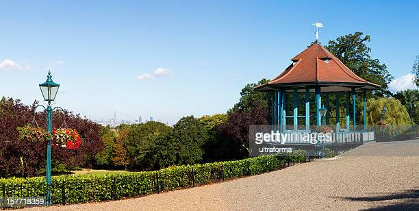 london's distant skyline - southwark stock pictures, royalty-free photos & images
