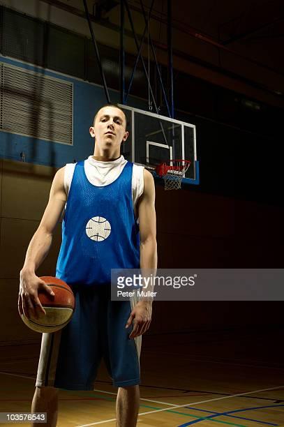 Lone Joueur de basketball