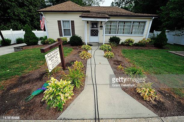 A lone bouquet rests near the birthplace of actor Andy Griffith on July 3 2012 in Mt Airy North Carolina Griffith died around 7am at his North...