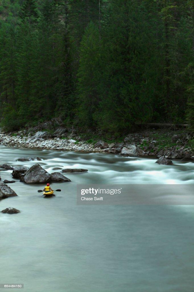 Lone Kayaker on Lochsa River : Foto de stock