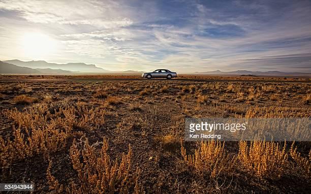lonely 50 - ネバダ州 ストックフォトと画像