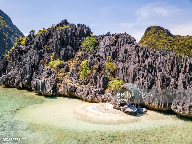 Lonely Beach Hut Tapiutan Island El Nido Palawan Philippines