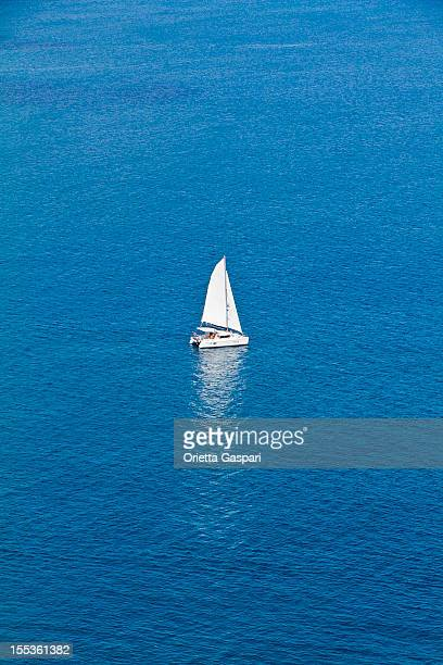 lonely sailboat - saint vincent and the grenadines stock pictures, royalty-free photos & images
