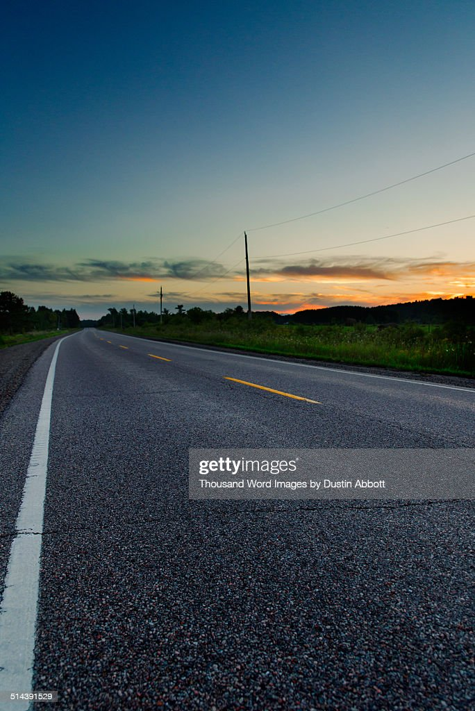 Lonely stretch of highway : Stockfoto