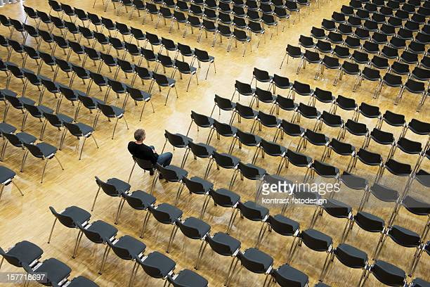 Loner in an auditorium, Seelsorge