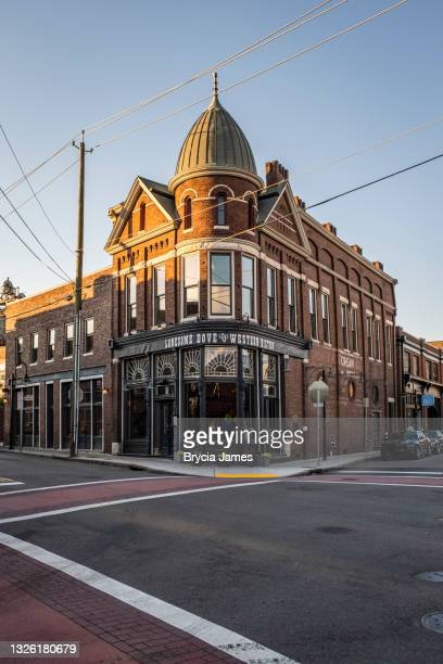 lonesome dove and western bistro in the old city of knoxville - brycia james stock pictures, royalty-free photos & images