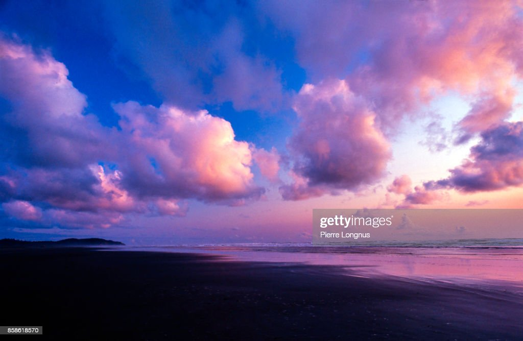 Long Beach at dusk - Pacific Rim National Park Reserve, British Columbia, Canada : Stock-Foto