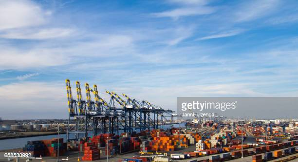 long beach, ca: port of long beach - long beach california stock photos and pictures