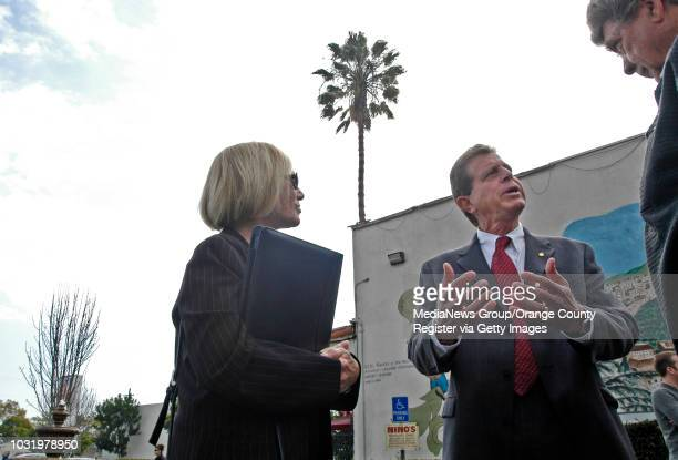 2/15/06 Long Beach Calif mayoral candidate Frank Colonna chats with supporters including councilmember Rae Gabelich left at Nino's Ristorante...