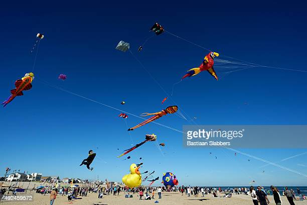 long beach island kite festival 2015 - basslabbers, bastiaan slabbers stock pictures, royalty-free photos & images