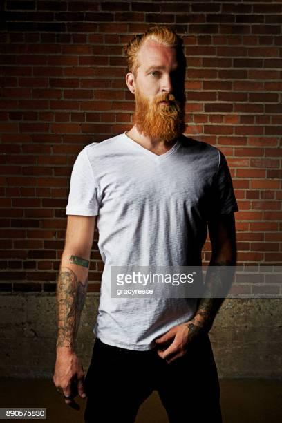 すぐに飽きての定番、ひげの長い - vネック ストックフォトと画像
