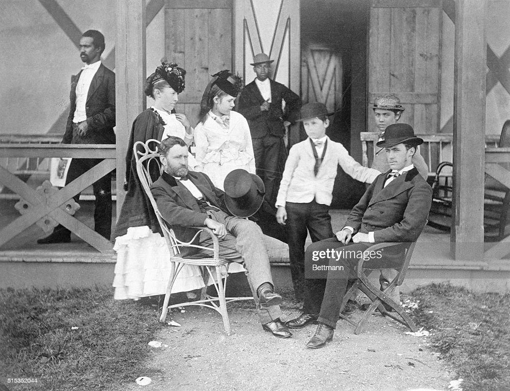 Ulysses Grant & Family, Servants : News Photo