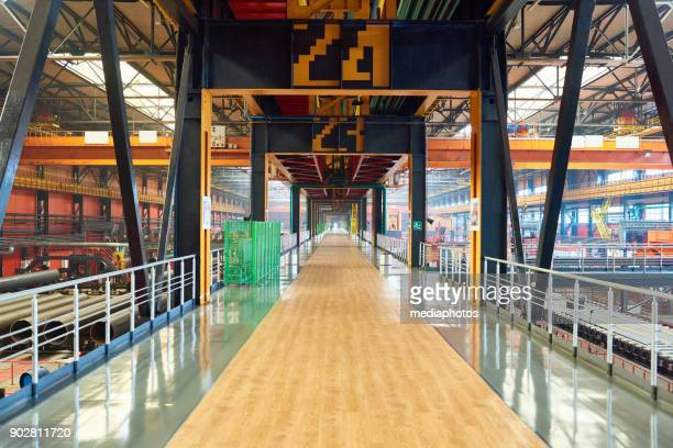 long bridge at factory - building story stock pictures, royalty-free photos & images