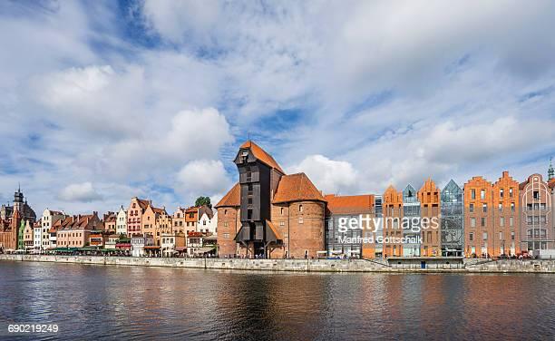 long bridge quayside promenade gdansk - motlawa river stock pictures, royalty-free photos & images
