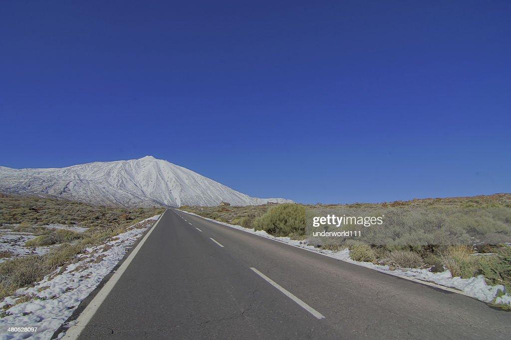 長い空の砂漠道 : ストックフォト