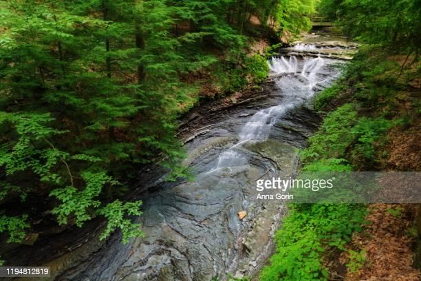 long exposure of bridal veil falls in cuyahoga valley national park, ohio, in summer - ohio stock-fotos und bilder