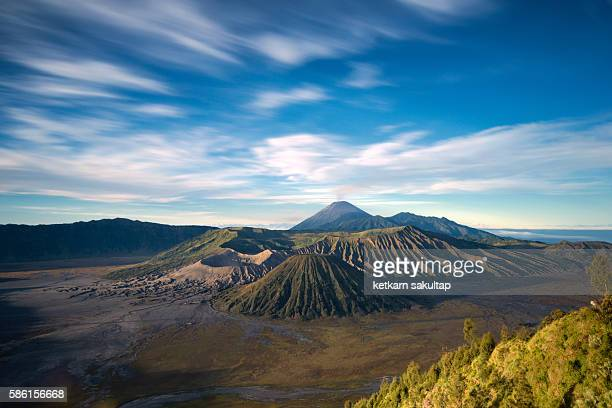 long exposure of mount bromo at sunrise, east java, indonesia. - bromo crater stock pictures, royalty-free photos & images