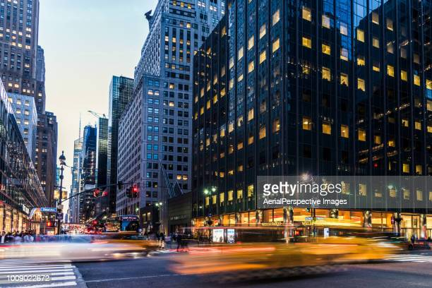 long exposure of nyc manhattan street - fifth avenue stock pictures, royalty-free photos & images
