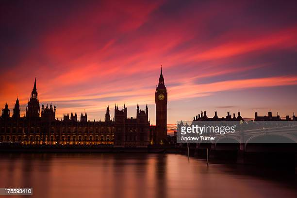 CONTENT] A long exposure of one of Britains most iconic landmarks Big Ben and The Houses of Parliament The sky had already begun to turn a dusky pink...