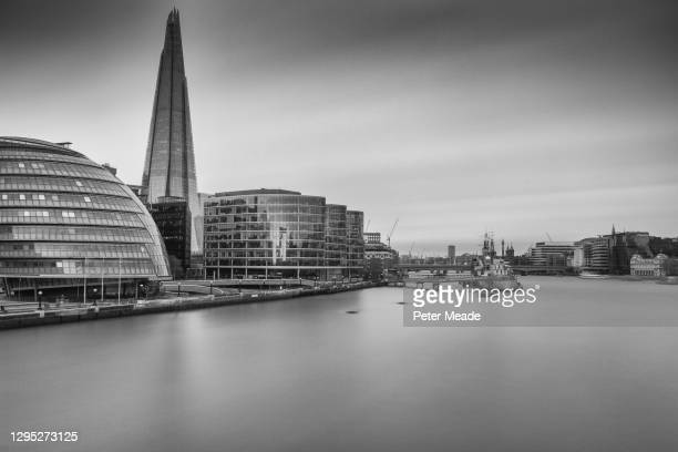 long exposure view of the river thames in london - general view stock pictures, royalty-free photos & images