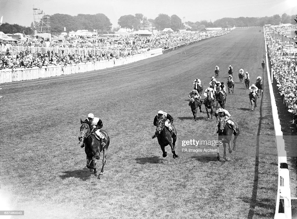 Horse Racing - The Oaks Stakes - Epsom : News Photo