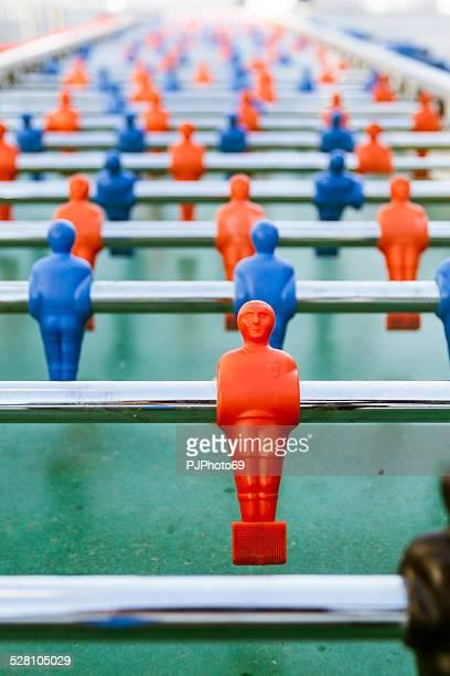 Larga mesa de fútbol