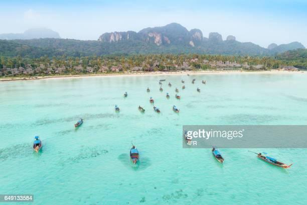 Long-tail boat, vue panoramique, les îles de Phi Phi, Thaïlande