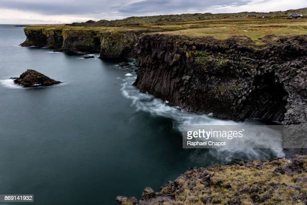 Longue exposure of the ocean hitting the coastline in the snaefellsjoekull national park, Iceland