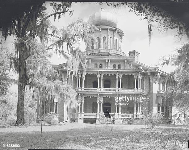 Longwood antebellum home is a monument of unclimaxed splendor This ghost mansion was planned as the most magnificent structure of its time with...