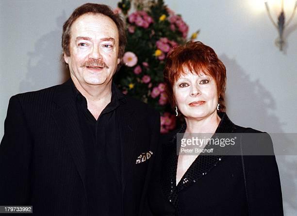 Loni von Friedl mit Lebensgefährten JürgenSchmidt Bayrischer Filmpreis 1998Sexy Abendkleid
