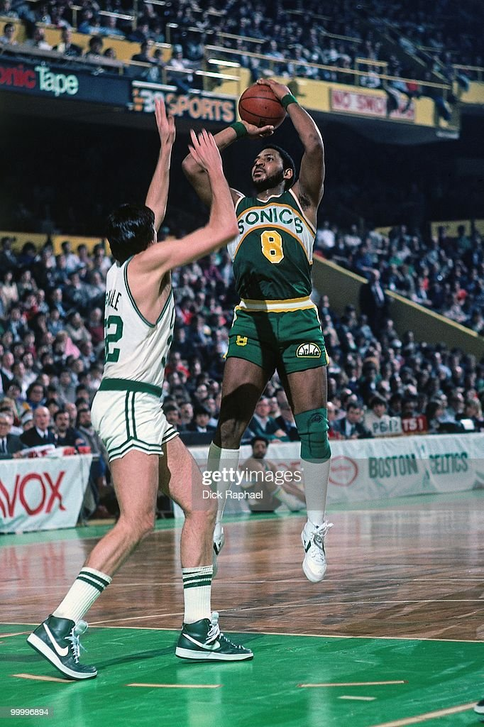 Lonnie Shelton #8 of the Seattle Supersonics shoots a jumper against Kevin McHale #32 of the Boston Celtics during a game played in 1983 at the Boston Garden in Boston, Massachusetts.