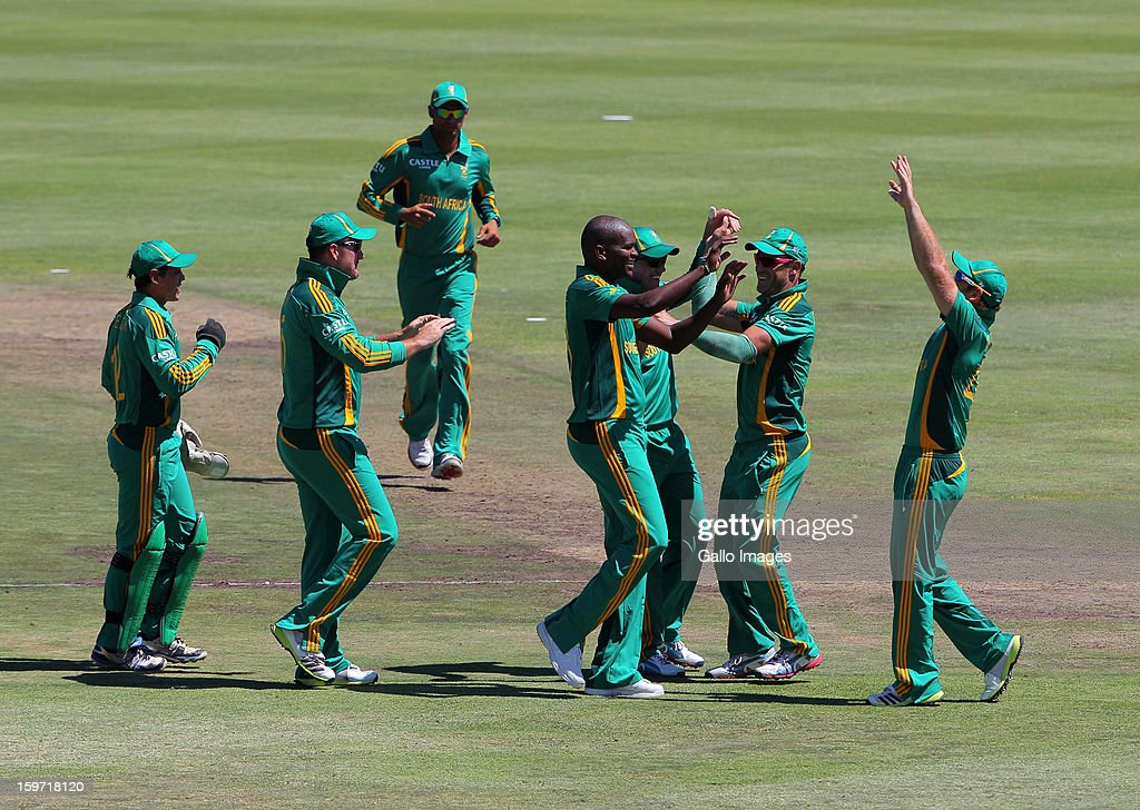 Lonwabo Tsotsobe (C) of South Africa celebrates a wicket during the 1st One Day International match between South Africa and New Zealand at Boland Park on January 19, 2013 in Paarl, South Africa.