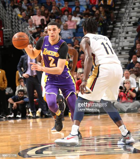 Lonzo Ball of the Los Angeles Lakers brings the ball up court against the New Orleans Pelicans on March 22 2018 at Smoothie King Center in New...